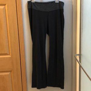 XL Old Navy yoga pants.